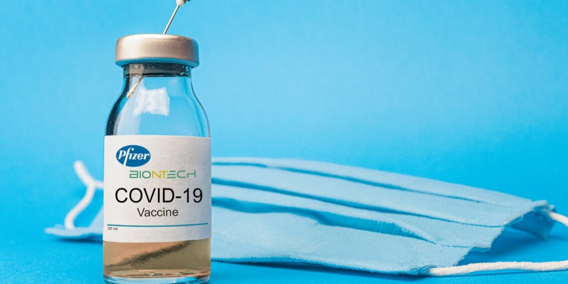 Covid-19: Brasil recebe mais de 900 mil doses de vacina da Pfizer