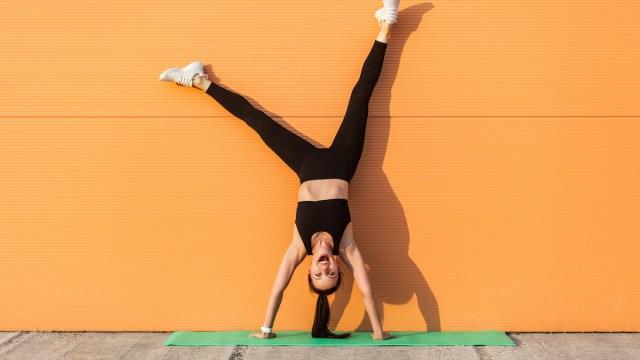 Este movimento de exercício retarda o envelhecimento, afirma o preparador físico