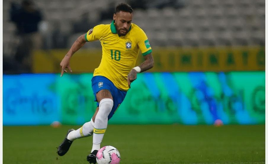 Jovem brasileira que descobriu 4 asteroides quer dar o nome de Neymar a um deles