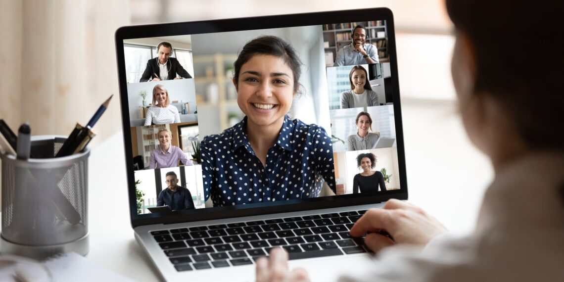 Zoom compra startup para fazer tradução de chamadas em tempo real