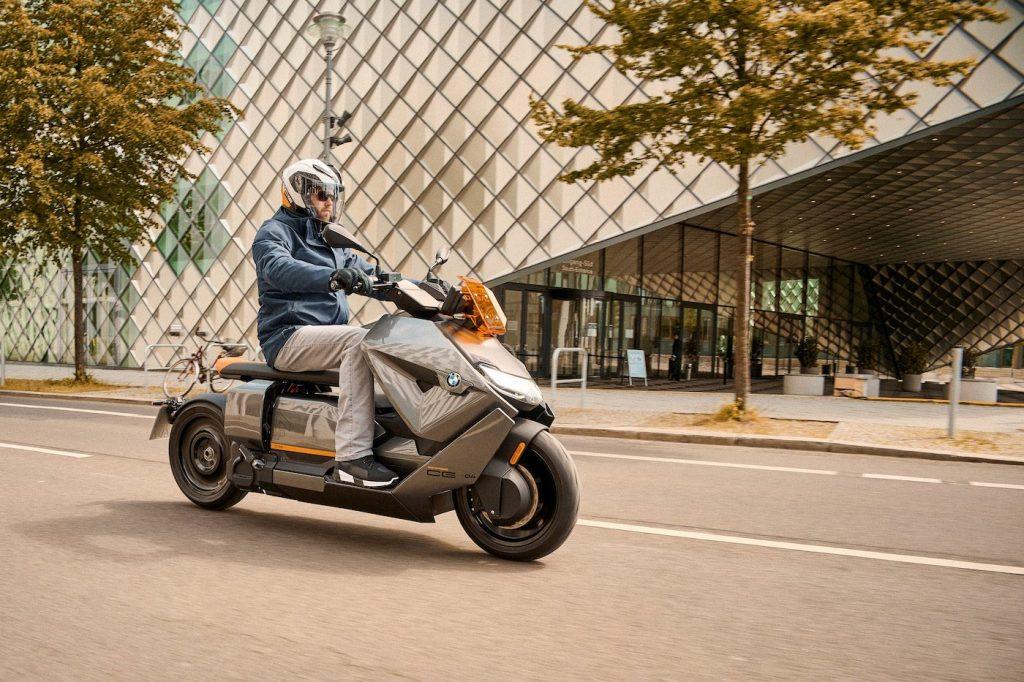 BMW apresenta moto elétrica que chega a 120 km/h