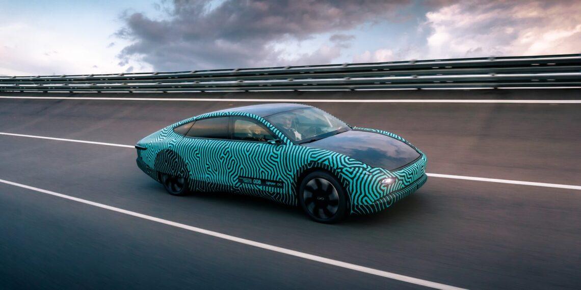Lightyear One: carro elétrico movido a energia solar tem autonomia de 700 km com apenas uma recarga