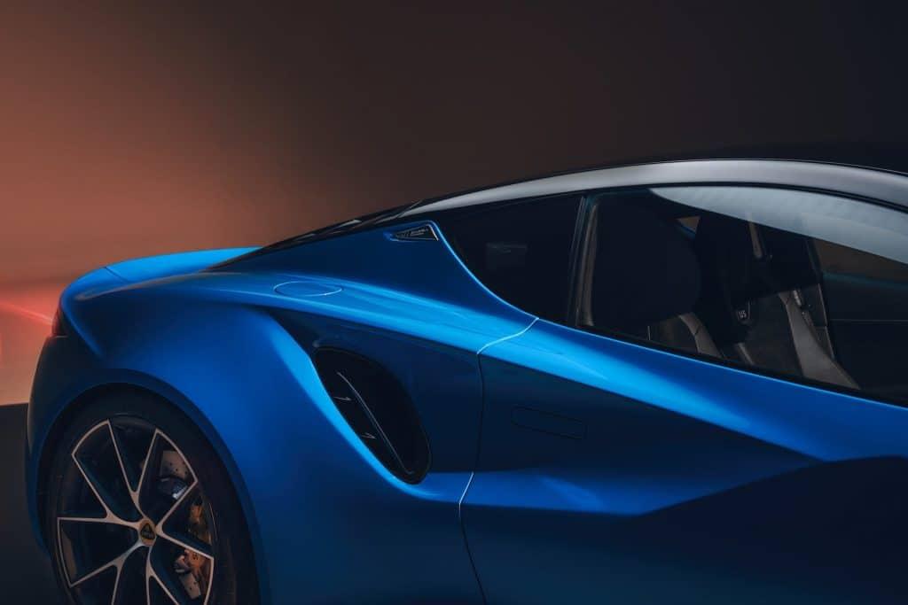 Lotus apresenta o Emira 2022, seu último carro esportivo a gasolina