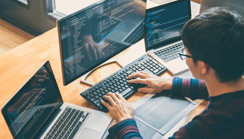 MRV lança bootcamp e oferece 10 mil bolsas de estudo em tecnologia